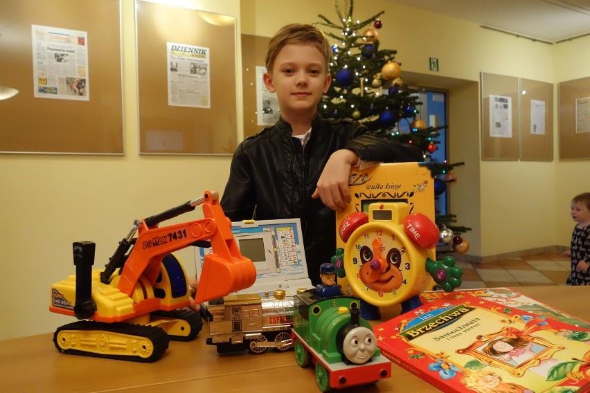 9-letni Mikołaj z Łodzi przyniósł zabawki, książki i gry