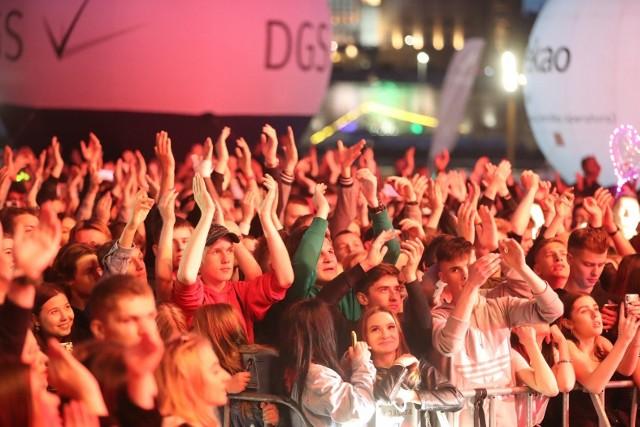 W sobotę wieczorem na szczecińskiej Łasztowni odbyły się ostatnie koncerty w ramach Juwenaliów. Na scenie wystąpił m.in. KęKę. Zobaczcie ZDJĘCIA! >>>
