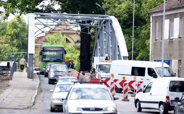 Na drodze krajowej 29 w okolicy mostu Elizy w Krośnie Odrzańskim wciąż momentami tworzą się korki, ale wkrótce się to skończy. Prace remontowe mają zostać sfinalizowane w tym miesiącu.