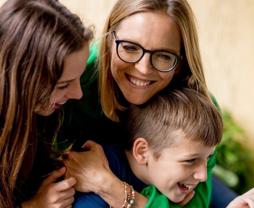 Małgorzata Trzaskowska z dziećmi: Aleksandrą i Stanisławem.....