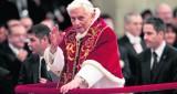 Benedykt XVI za celibatem księży: pozwala kapłanom skupić się na swoich obowiązkach