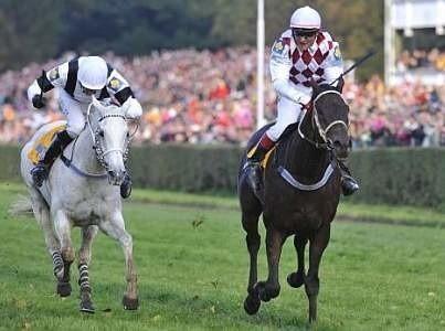 Josef Vania (z prawej) na koniu Tiumen