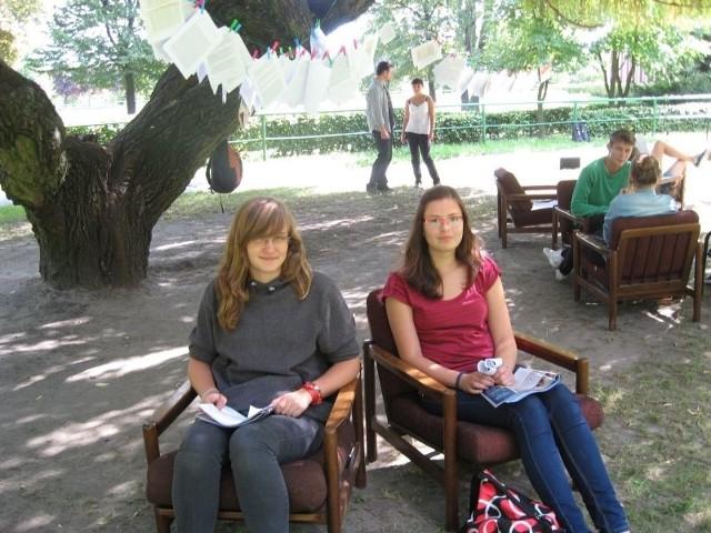 Uczennice pierwszej klasy II LO na warsztatach integracyjnych.