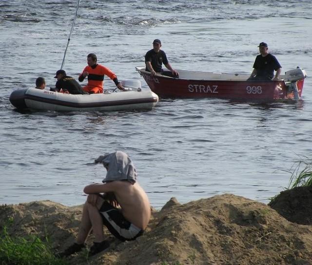 Przez kilkadziesiąt godzin chłopak był szukany m.in. przez ratowników w łódkach.