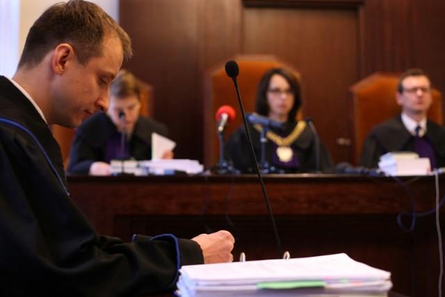 - W jednej chwili  życie mojego klienta zmieniło się diametralnie. Miał niespełna 18 lat i myślał, że wszystko co najlepsze przed nim. Wypadek przekreślił wszystkie jego marzenia - przekonywał dziś przed sądem apelacyjnym Daniel Gadawski, pełnomocnik rodziny Rafała, radca prawny Europejskiego Centrum Odszkodowań (na zdjęciu)