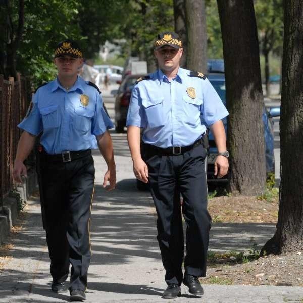 Jarosław Rejdych i Grzegorz Nowak patrolują opolskie ulice. Na początku przyszłego roku takie patrole pojawią się również w Komprachcicach.