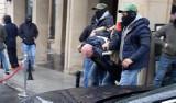 Marsz Równości: Policja zatrzymała człowieka z nożami krzyczącego Allah Akbar (ZDJĘCIA)