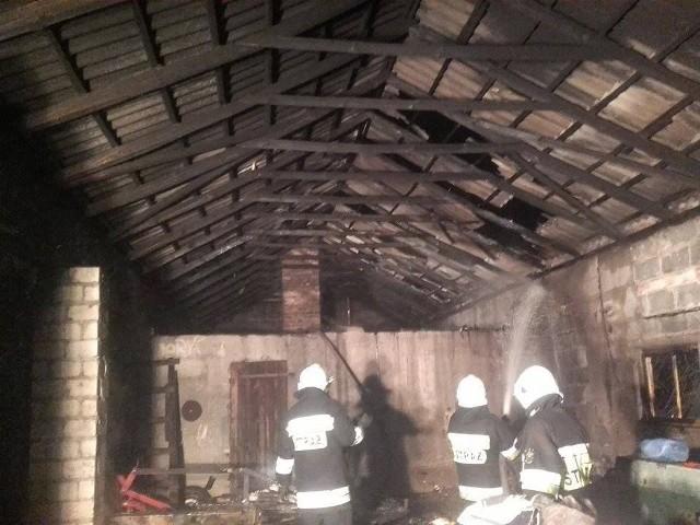 W działaniach brało udział pięć zastępów straży pożarnej