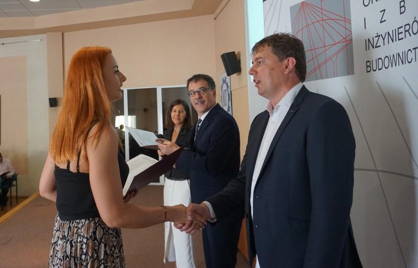 111 osób uzyskało uprawnienia budowlane w Podlaskiej...