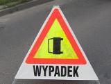 Wypadek pod Lutomierskiem . Bus dachował w Mirosławicach, dwie osoby ranne