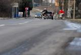 Mieszkańcy Nałkowskich żądają asfaltu: Straż pożarna nie może do nas dojechać