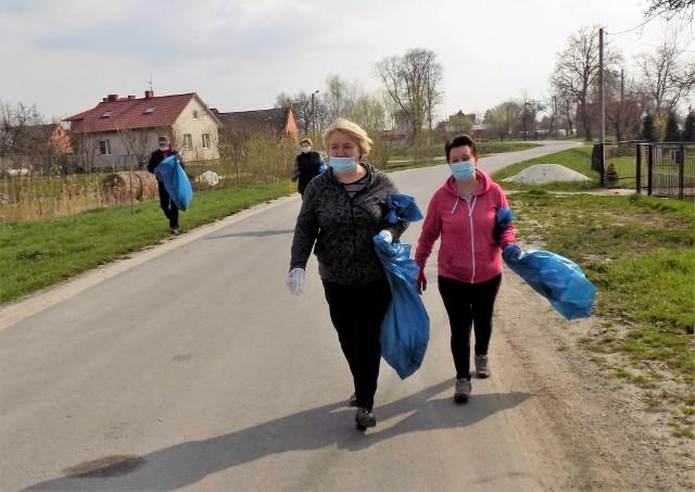 Mieszkańcy Zalesia Gorzyckiego posprzątali swoją miejscowość