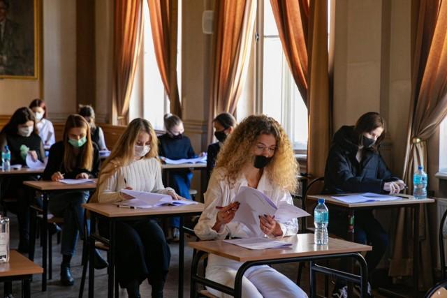Próbna matura CKE 2021 MATEMATYKA p. podstawowy