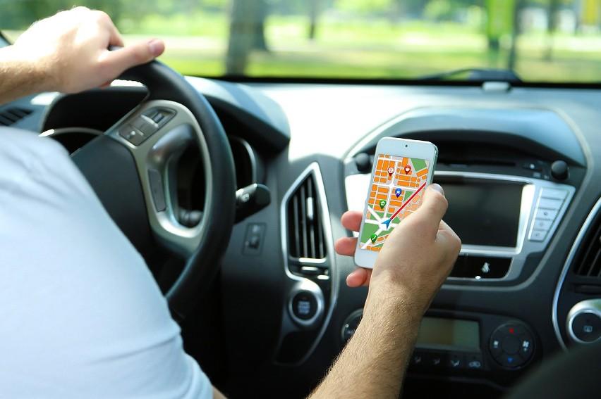 TOP 10 aplikacji dla kierowcy. Programy na smartfona, które...