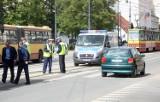 Zderzenie tramwaju z oplem na Piotrkowskiej [ZDJĘCIA]
