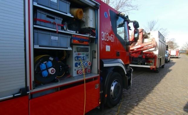 W piątek przed południem doszło do pożaru budynku jednorodzinnego w Skrzynnie. CZYTAJ DALEJ NA NASTĘPNYM SLAJDZIE