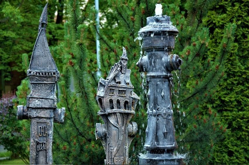 Pomnik hydrantu i domek dla krasnolutków...