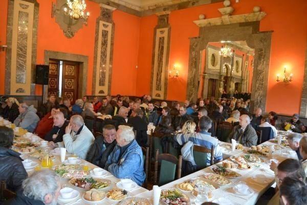 Wigilia dla bezdomnych i samotnych odbędzie się 24 grudnia w Wojewódzkim Domu Kultury w Kielcach.
