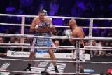 """Mariusz Wach zwycięstwo na gali Wach Boxing Team III w Pałacu Konary okupił kontuzją. """"Od siódmej rundy nie czułem ręki"""" [WYNIKI]"""