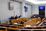 Ustawa ratyfikacyjna w Senacie. Jaki los czeka Fundusz Odbudowy?