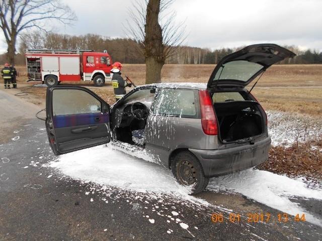 Samochód zapalił się w czasie jazdy.