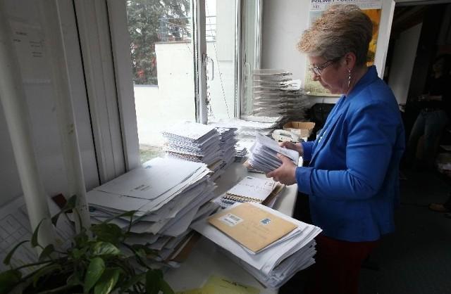 Do siedziby urzędu na Widzewie listonosz przyniósł wczoraj worek pełen PIT-ów.