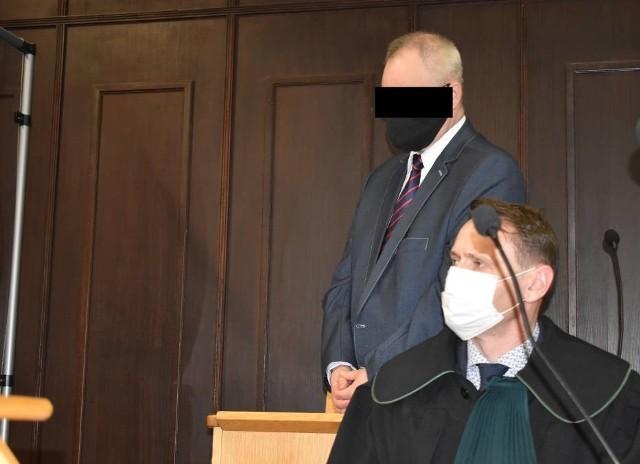W Sądzie Rejonowym w Pleszewie zapadł wyrok w sprawie Arkadiusza H. Oskarżony o pedofilię ksiądz nie stawił się na rozprawie.