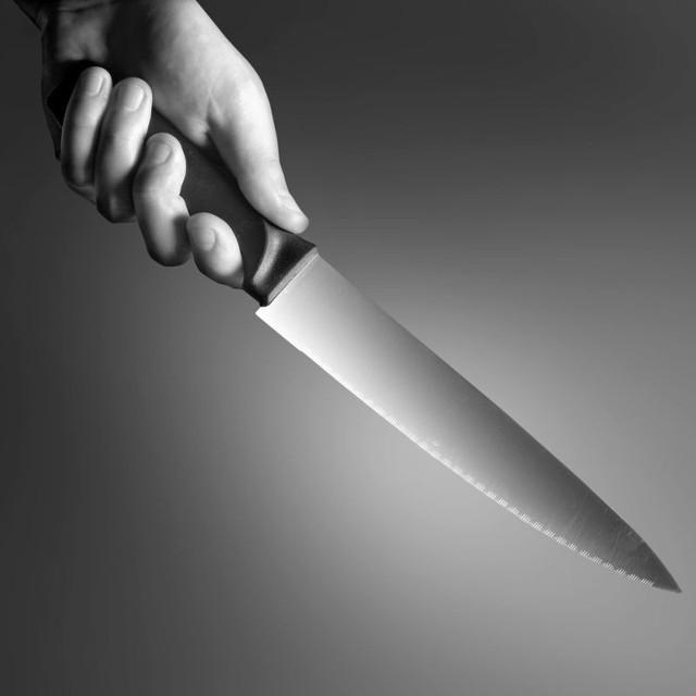 Napad w Łobzie z użyciem noża. Sprawcy są już w rękach policji.