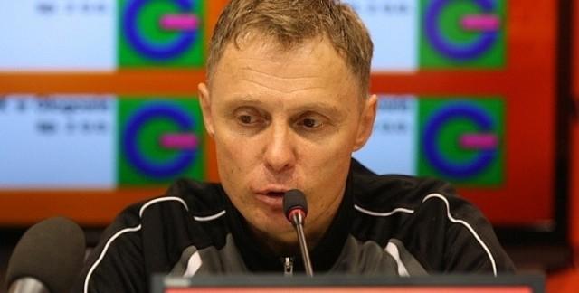 43-letni szkoleniowiec Chrobrego Głogów w trzy lata zrobił dwa awanse.