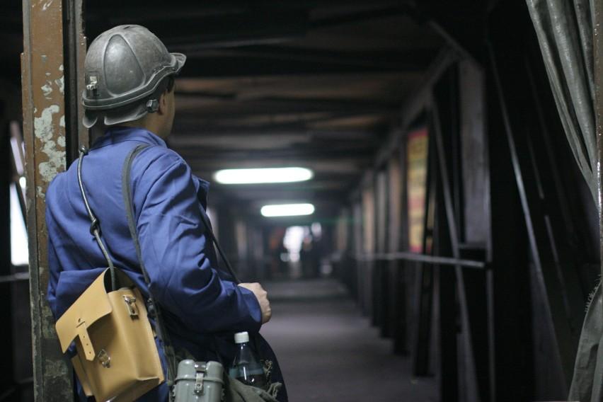 Górnicy, którzy przepracowali pod ziemią 25 lat mają...
