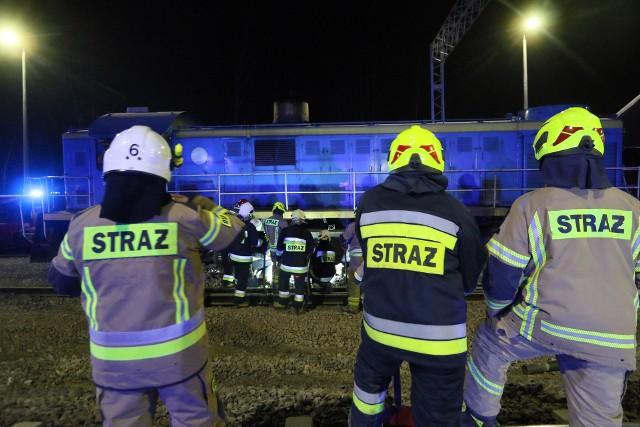 Groźny wypadek na torach kolejowych pod Środą Wielkopolską. Pociąg potrącił tam jedną osobę