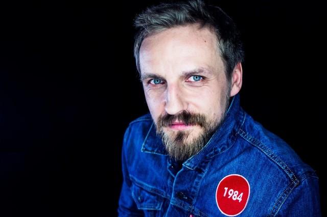 Przed nami jeden z ostatnich koncertów w ramach trasy Pawła Domagały – aktora, który w jedną chwilę stał się gwiazdą popu.