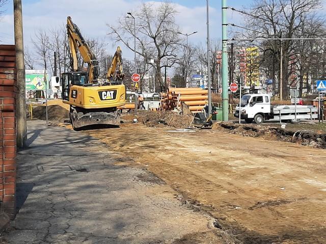 W Bytomiu trwają prace na ul. Frycza-Modrzewskiego. Zmodernizowane zostaną m.in. tory tramwajowe. Zobacz zdjęcia >>>