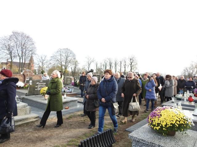 Cmentarz parafialny w Małkini Górnej, 1.11.2019