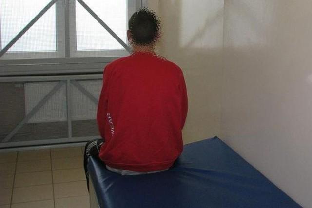 18-latkowi grozi nawet do 10 lat pozbawienia wolności.