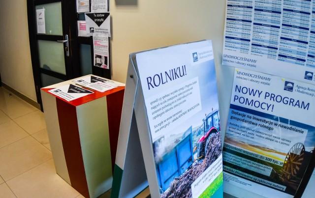 Przed biurami ARiMR czy KRUS znajdują się wrzutnie, w których można umieszczać dokumenty, wnioski, oświadczenia.