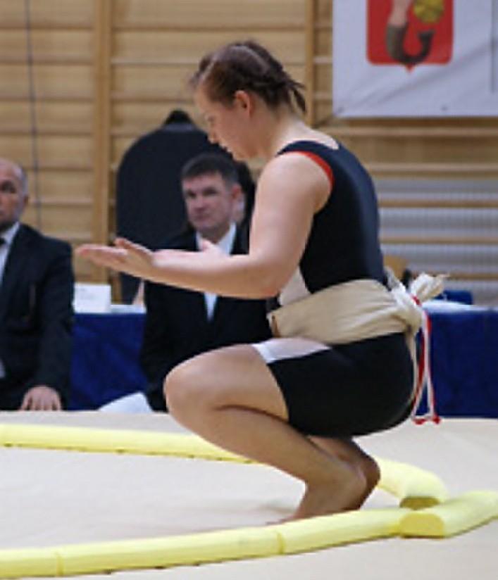 Angelika Ferlin koncentruje się przed walką.