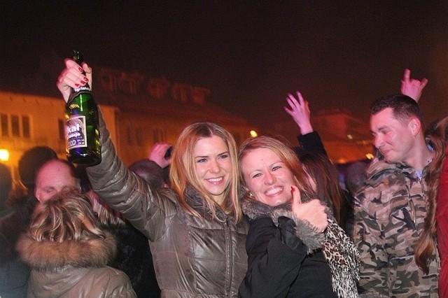 Sylwester 2011 był bardzo udany. Rynek Kościuszki wypełniły rozradowane tłumy.