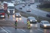 Wypadek na na DTŚ w Katowicach. Zderzenie jaguara z mercedesem przy Mazaku. Utrudnienia i korek na średnicówce