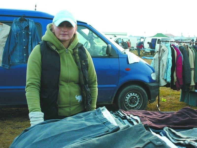 Pani Katarzyna przyjeżdża do Szczuczyna z Łomży już od trzech lat. – Jeśli nasze warunki pracy rzeczywiście się poprawią, to jestem za przeprowadzką – mówi.