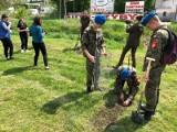 Akcja sadzenia drzew nad rzeką Młynówką w Starachowicach. Teraz rosną tam piekne wierzby (ZDJĘCIA)