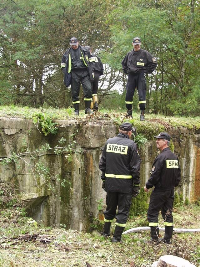 Strażacy byli prawdopodobnie pierwszymi, którzy weszli do podziemi od czasów wojny.