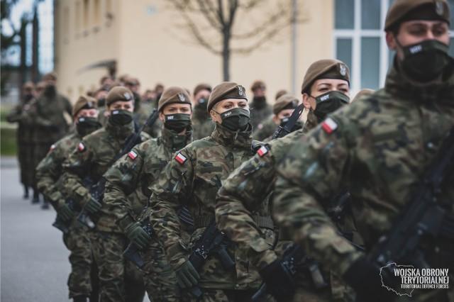 O służbę w małopolskiej Brygadzie może się ubiegać każdy, kto m.in. posiada obywatelstwo polskie, znajduje się w przedziale wiekowym 18-55 lat