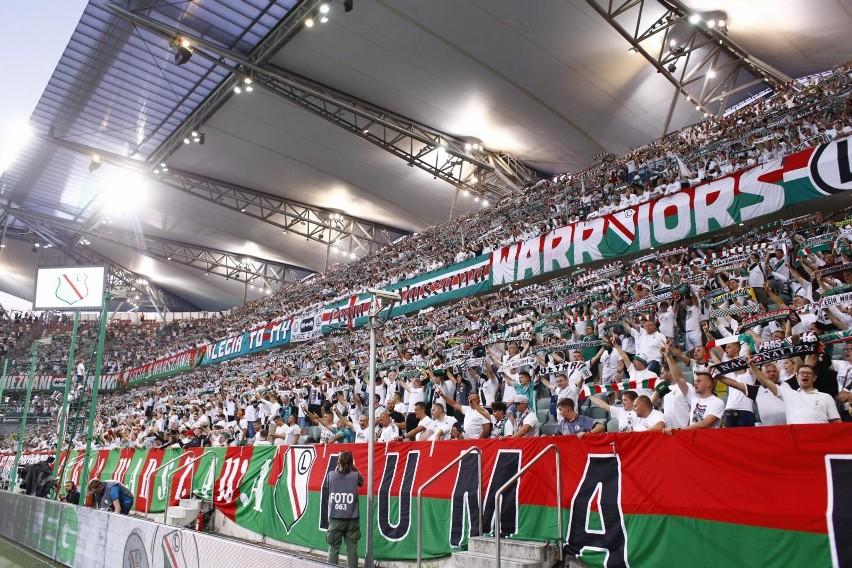 Legia Warszawa - Flora Tallin z trybun! Zobacz kibiców na meczu i znajdź siebie!