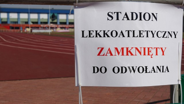 Stadiony, bieżnie, siłownie są zamknięte. Sport znajduje się w okowach koronawirusa.