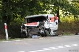 Wypadek na DK 45 w Żużeli pod Krapkowicami. Zginął konwojent Poczty Polskiej, drugi w szpitalu