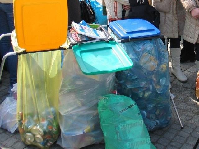 W Jarosławiu obniżyli ceny za wywóz śmieciW Jarosławiu ma dojść do obniżki cen za wywóz śmieci.