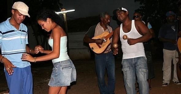 Salsa i reggaeton królują na Kubie.