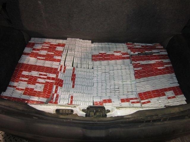 Dwaj mężczyźni posiadali ponad 121 tysięcy papierosów bez akcyzy