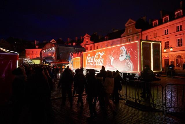 Ciężarówki Coca-Coli zatrzymały się w sobotę w Lublinie. Natomiast we wtorek (15 grudnia) będzie można zobaczyć je w Zamościu